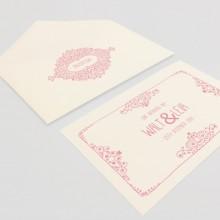 Enveloppes avec cartes d'invitation